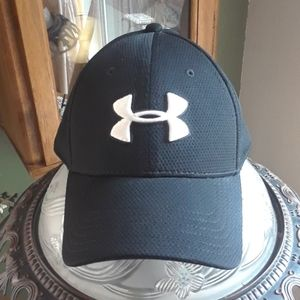 Under armour fitted cap